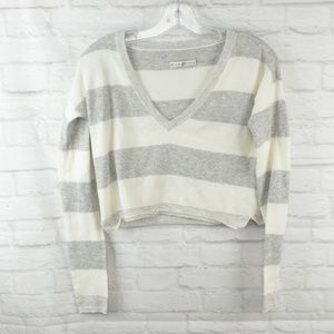 $10 Deal! Alice & Olivia cropped sweater